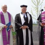 egyházi vezetők is megáldották az emlékkeresztet