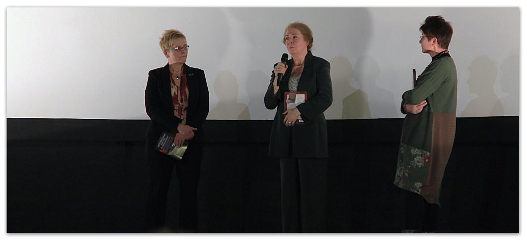 Rozsnyai Ilona (interjút készítő) Hajduk Márta (rendező, forgatókönyvíró), dr. Koltai Mária (pszichiáter)